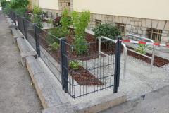 Fahrradstellplätze, Vorgärten und Zäune